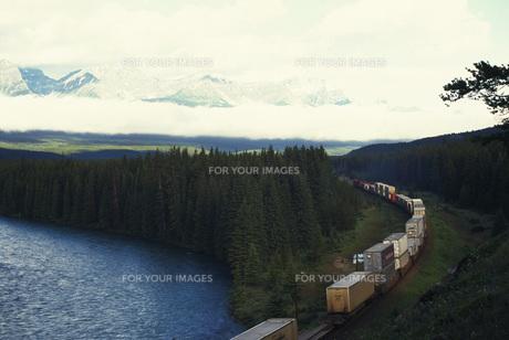 貨物列車の素材 [FYI01154307]