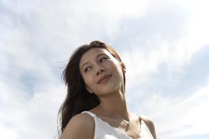髪の長い女性の素材 [FYI01156838]