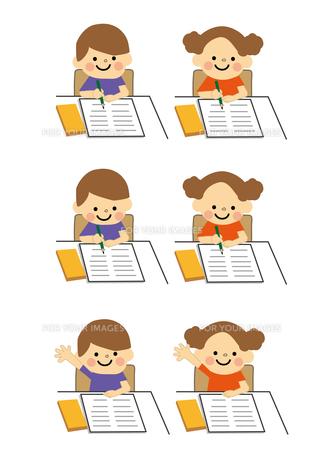 男の子と女の子 学習の素材 [FYI01157406]