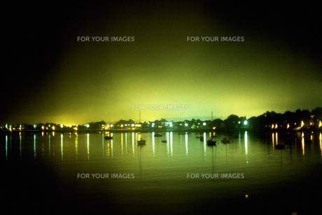 港の夜景の素材 [FYI01158703]