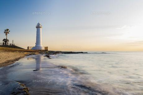 野間灯台の夕暮れ1の写真素材 [FYI01158865]