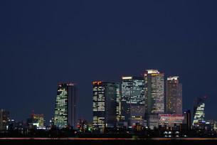 名古屋の高層ビル群の夜景1の写真素材 [FYI01159118]