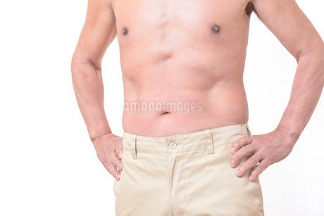 健康体シニアの上半身の写真素材 [FYI01159174]