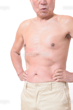 健康体シニアの上半身の写真素材 [FYI01159182]