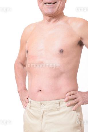 健康体シニアの上半身の写真素材 [FYI01159183]