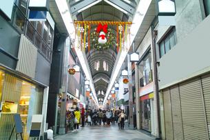 夜の新京極商店街の写真素材 [FYI01159594]