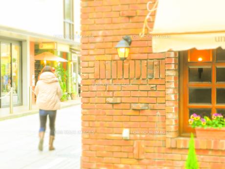 神戸岡本散歩の写真素材 [FYI01159639]