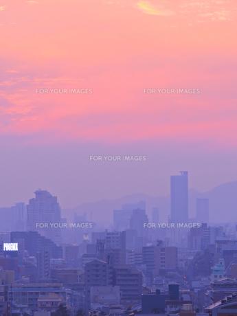 黄昏の街の写真素材 [FYI01159744]