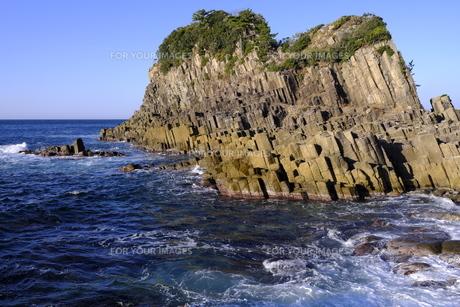 越前海岸の鉾島の写真素材 [FYI01159962]