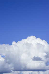 夏の空と入道雲の写真素材 [FYI01160642]