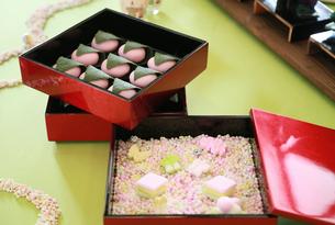 ひな祭りのお菓子の写真素材 [FYI01160914]