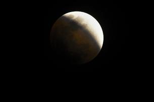 皆既月食の写真素材 [FYI01161211]