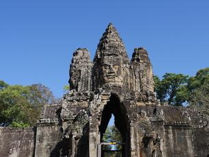 世界遺産 カンボジア アンコールトム南大門の写真素材 [FYI01161696]