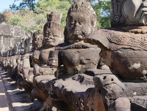世界遺産 カンボジア アンコールトム南大門の写真素材 [FYI01161698]