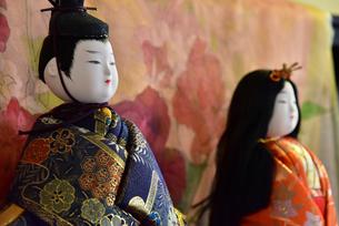 ひな祭りの男雛、女雛の人形の写真素材 [FYI01161812]