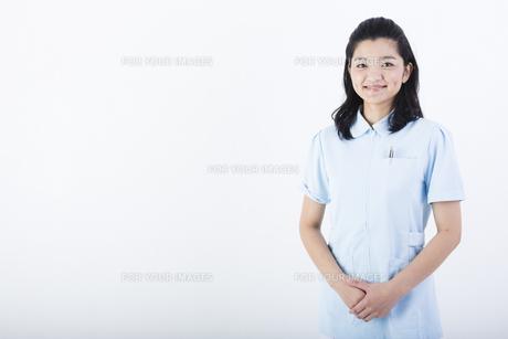 若い女性の医療従事者の写真素材 [FYI01162051]