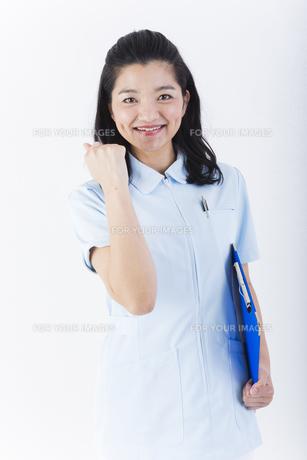 明るい女性の医療従事者の写真素材 [FYI01162101]