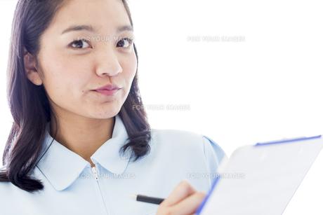 若い女性の医療従事者の写真素材 [FYI01162124]