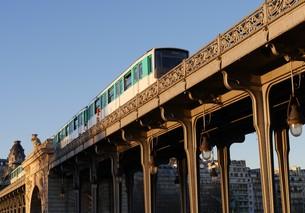パリ ビル・アケム橋(ビラケム橋)の写真素材 [FYI01162177]