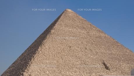 エジプト ギザのクフ王のピラミッドの写真素材 [FYI01162281]