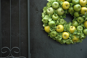 Apple wreath ...の写真素材 [FYI01162937]