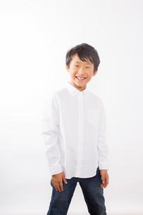 笑顔の少年の写真素材 [FYI01163853]