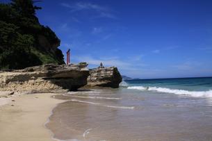 白浜海岸(伊豆、下田)快晴の浜辺の写真素材 [FYI01164389]