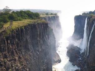 ビクトリアの滝と水煙の写真素材 [FYI01164605]