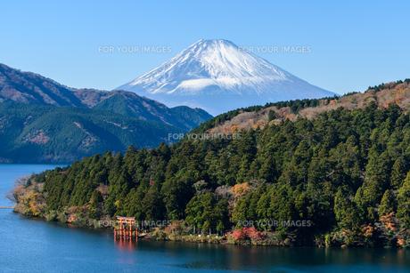 箱根から見た富士山の写真素材 [FYI01165546]