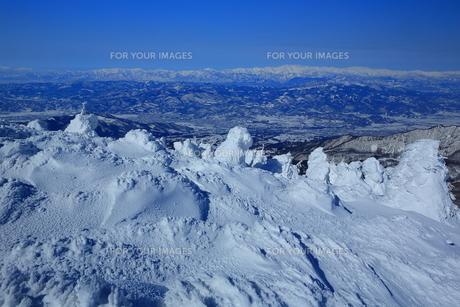 冬の山形蔵王の写真素材 [FYI01165935]