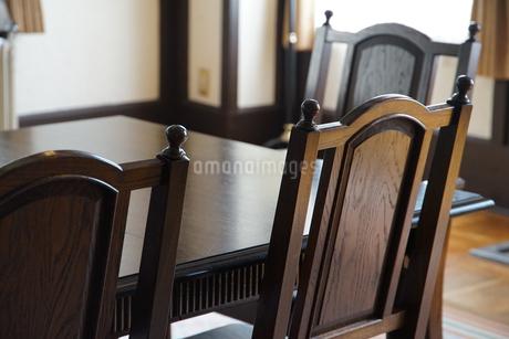 部屋のテーブルと椅子の写真素材 [FYI01166173]
