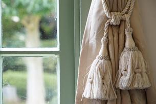 部屋の窓の写真素材 [FYI01166175]