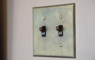 壁の照明用スイッチの写真素材 [FYI01166181]