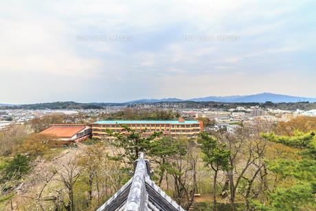 春の久保田城の御隅櫓からみた風景の写真素材 [FYI01166521]