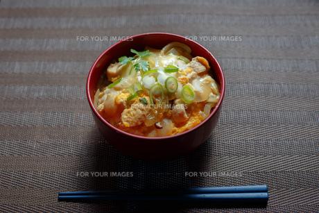 親子丼の写真素材 [FYI01166526]