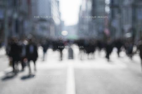 歩行者天国 アウトフォーカス カラーの写真素材 [FYI01166603]