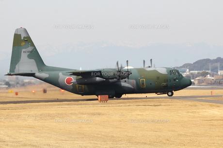 小牧基地 C130輸送機の写真素材 [FYI01166800]