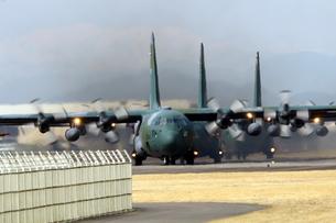 小牧基地 C130輸送機の写真素材 [FYI01166803]