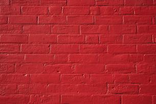 ブロック 赤 壁 ペイント 背景素材の写真素材 [FYI01167115]