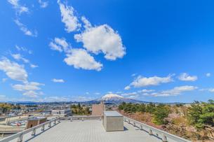春の岩手山の風景の写真素材 [FYI01167349]