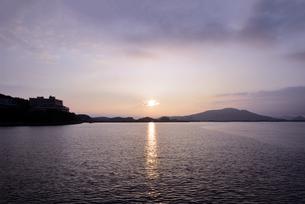 和歌山湾の夕暮の写真素材 [FYI01167658]