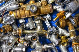 廃棄処分の水道管の写真素材 [FYI01168543]