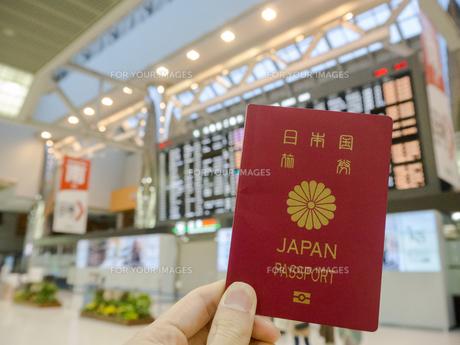 空港 フライトスケジュール パスポートの写真素材 [FYI01169947]