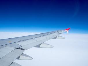 飛行機 フライト 空の写真素材 [FYI01169949]