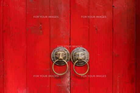 背景 路地 風景 レトロ 古い 壁 門 赤 海外 アジア トラベル 旅行 旅 台湾 九份の写真素材 [FYI01170044]