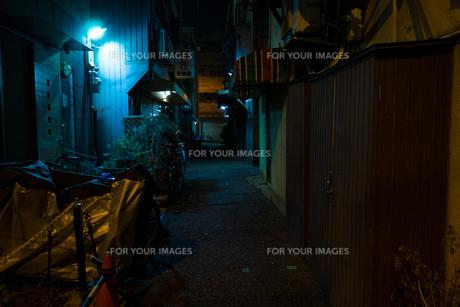 大阪の路地裏の写真素材 [FYI01170046]
