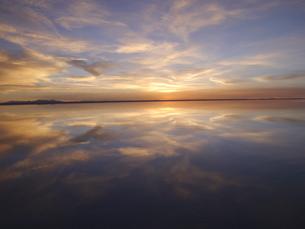 ウユニ塩湖の写真素材 [FYI01170117]