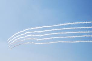 飛行機雲の写真素材 [FYI01170261]