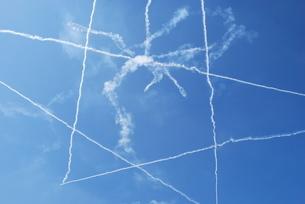 飛行機雲星の写真素材 [FYI01170262]