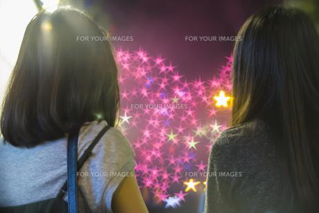 風景 背景 屋外 夜景 花火 星 スター アート 素材 トラベル 旅 旅行 海外 アジア 香港の写真素材 [FYI01171207]
